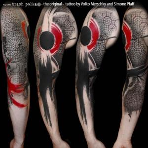 Black red 300x300 c Tatuajes de Manga Completa