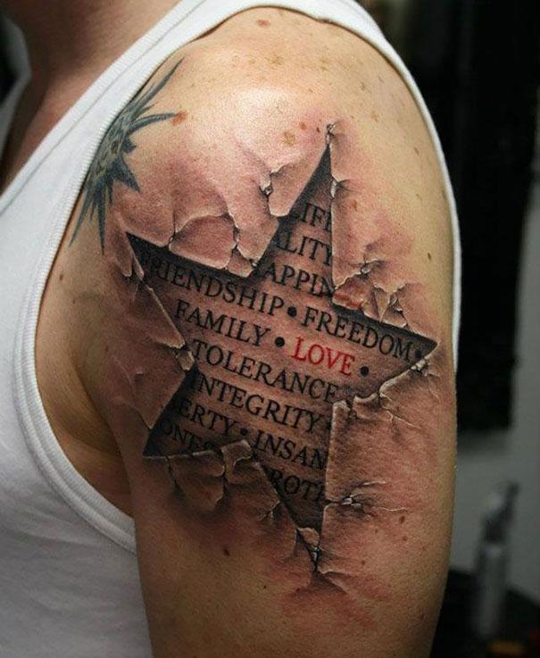 tatuaje 3d en el hombro Imagenes de Tatuajes 3D