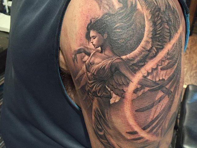 tatuaje de angel en el brazo 1 Imagenes de Tatuajes de Angeles