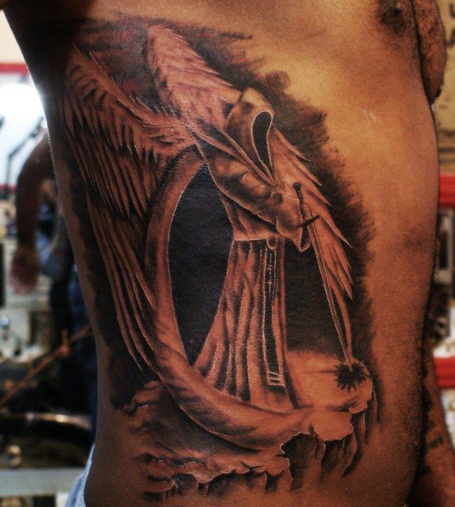 tatuaje de angel maligno Imagenes de Tatuajes de Angeles