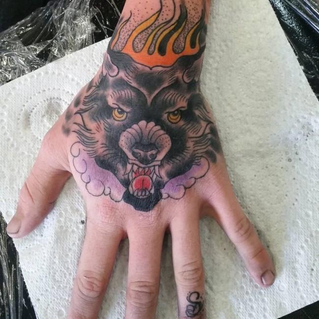 Los Mejores Diseños de Tatuajes en las Manos