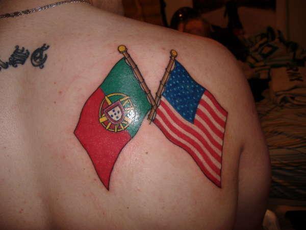 Los 20 Tatuajes de Banderas Mas Impresionantes!