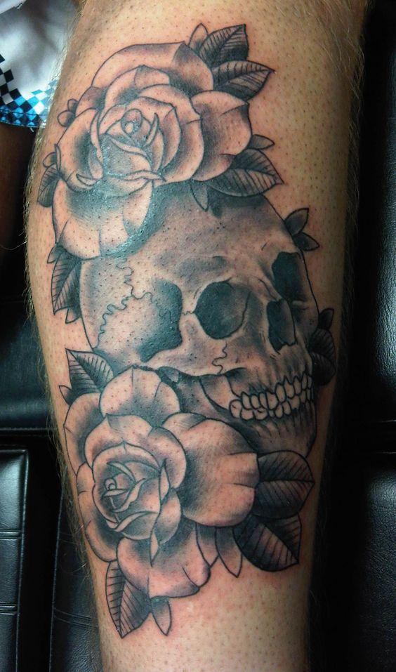 Hermosos Tatuajes De Rosas En Blanco Y Negro Tatuajes Para Mujeres
