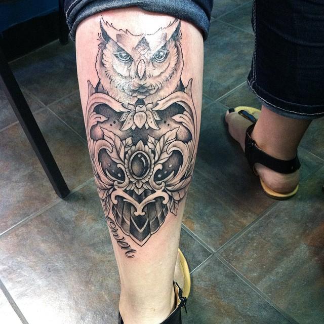 Tatuajes en la Pantorrilla para Hombres y Mujeres