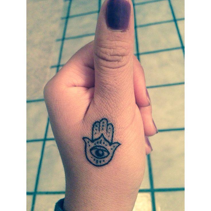 imagenes de tatuajes de mano de hamsa o fatima tatuajes para mujeres y hombres. Black Bedroom Furniture Sets. Home Design Ideas
