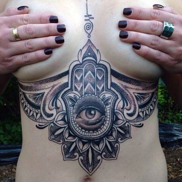 Imagenes de Tatuajes Under Breast