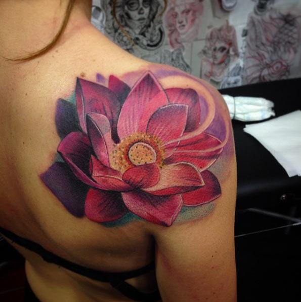 elegantes tatuajes de flor de loto y sus significados tatuajes para mujeres y hombres. Black Bedroom Furniture Sets. Home Design Ideas