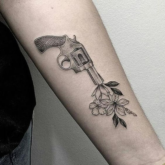 Colección de Tatuajes de Pistolas