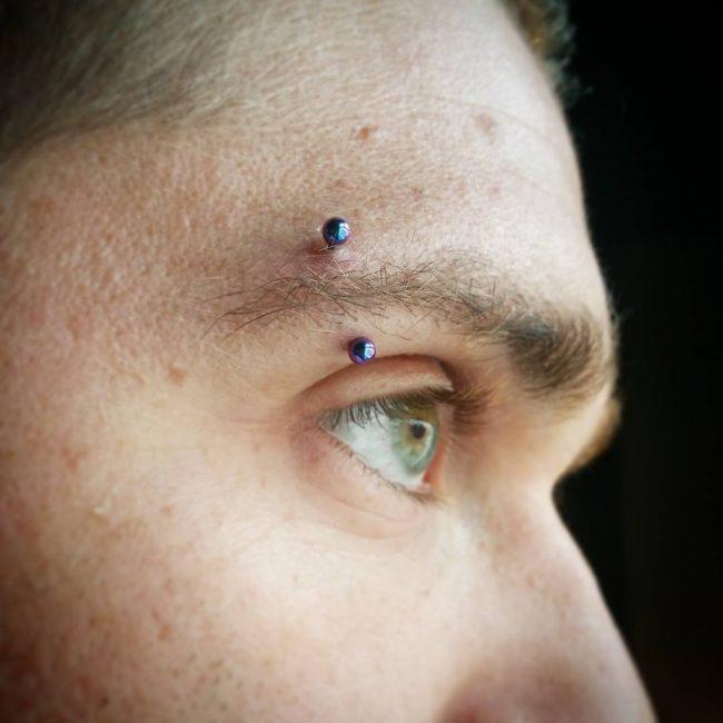 Ideas de Perforaciones y Piercing en la Ceja
