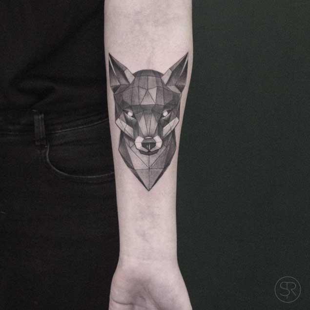 Hermosos Tatuajes Poly Geométricos de Sven Rayen