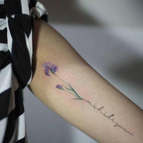 Lindos Tatuajes De Iris Una Flor Con Mucho Significado Tatuajes