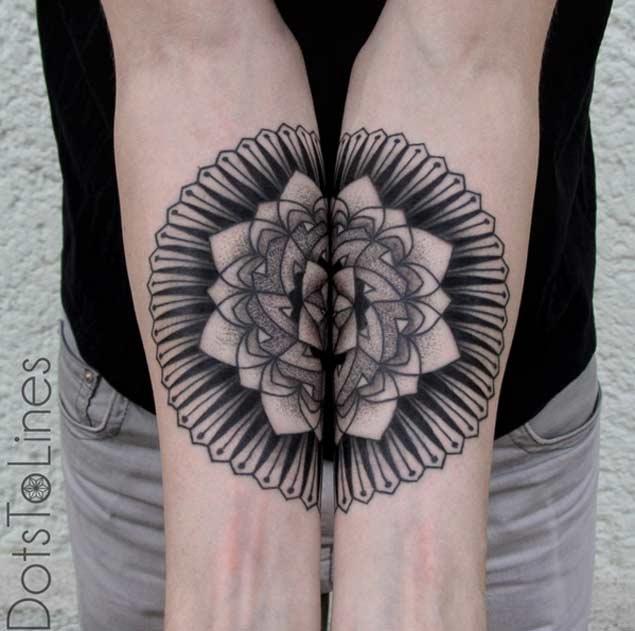 Increíbles Tatuajes Con Una Simetría Perfecta