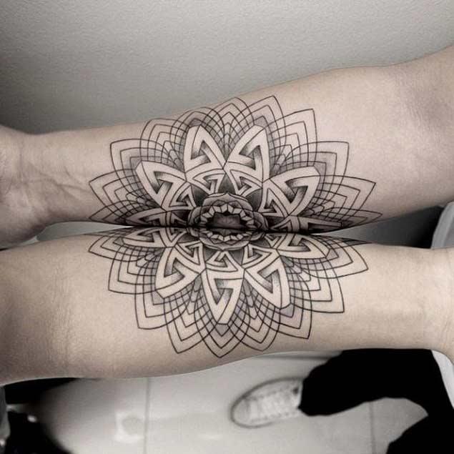 Tatuajes Simetricos 6 Increíbles Tatuajes Con Una Simetría Perfecta